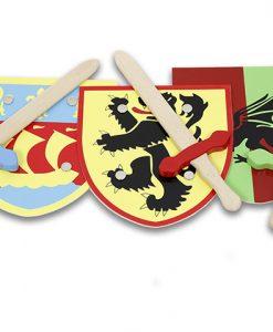 Espada y escudo de madera medieval
