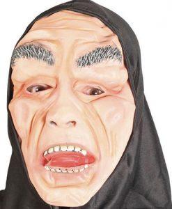 Máscara con capucha