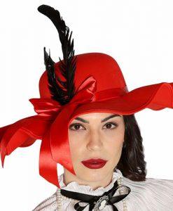 Pamela roja con plumas